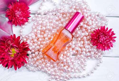boncuklar parfüm şişesi