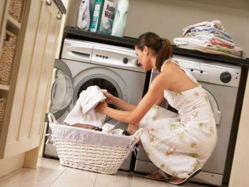 çamaşır makinesi kadın