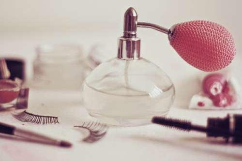Biten Parfüm Şişesiyle Ne Yapılır?