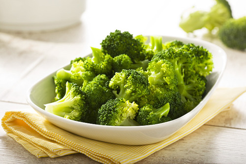 sağlıklı saçlar için yenmesi gerekenler brokoli