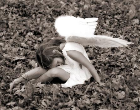 küçük kız melek resmi