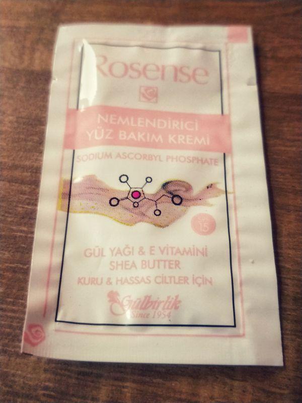 Rosense nemlendirici yüz bakım kremi gül yağı e vitamini shea butter