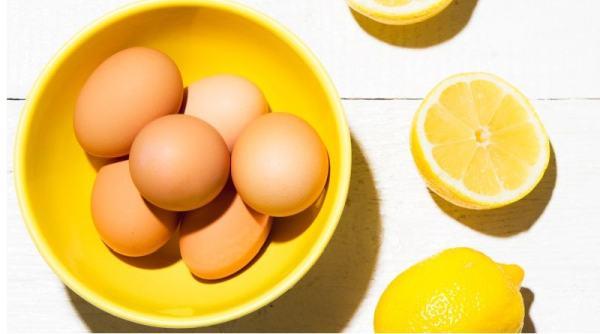 Yumurta akı limon maskesi